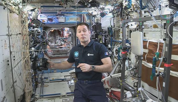 Astronauta Thomas Pesquet na pokładzie ISS