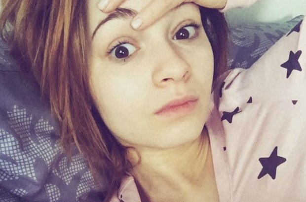 """Uczestników """"Tańca z Gwiazdami"""" wspierają nie tylko fani i widzowie, ale też najbliżsi. Ewelina Lisowska ma wyjątkowego kibica. Z widowni jej poczynania na parkiecie obserwuje babcia. Zobaczcie, co obie panie powiedziała w rozmowie z Plotek.pl."""