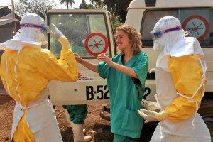 Wirus Ebola wydosta� si� poza granice Gwinei? Trzy przypadki gor�czki krwotocznej w Mali