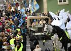 Policjanci przebrani za anioły pilnowali Orszaku Trzech Króli. Teraz kierownictwo szuka winnych