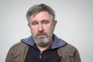 Jerzy Radziwi�owicz czyta Preambu�� Konstytucji i t�umaczy dlaczego powinni�my przypomnie� sobie jej tre��