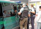 Straż graniczna zatrzymała dwa busy, którymi przemycani byli ludzie
