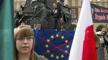 01.05.2016 Kraków, Rynek Główny. Manifestacja 'POLexit - Polska bez Unii Europejskiej!' organizowana przez Obóz  Narodowo-Radykalny