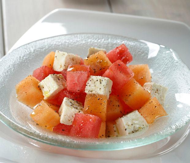 Sałatka z melona, arbuza i solonej ricotty
