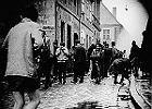 Bitwa o dom katolicki. Historia z Polski Ludowej