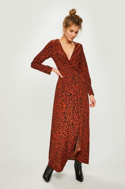 7a309c61f7 Długa sukienka z rozcięciem. Modele na specjalne okazje
