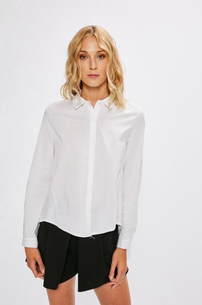 3a35afa0c86182 Black Friday. Postaw na klasyki! Biała koszula powinna znaleźć się w ...