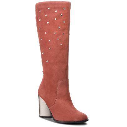 0df8203a Kozaki zamszowe. Kobiece i wygodne buty na jesień