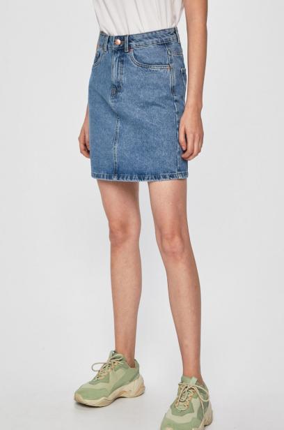 23a709a811008a Spódnica jeansowa - dla kogo i do czego? Najmodniejsze fasony i ...