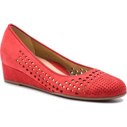 43944ea2ccec9 Czerwone czółenka Ara eleganckie na koturnie z okrągłym noskiem z nubuku  bez zapięcia z niskim obcasem