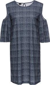 d0a2f93e77 Sukienki oversize z wyprzedaży  czarna w stylu Żmudy-Trzebiatowskiej ...