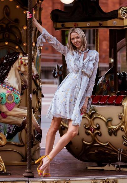 3c44ad56 Sukienki w kwiaty: wybrałyśmy najpiękniejsze modele na lato