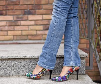 6105e9d05e293 Najmodniejsze buty na studniówkę: szpilki czy gruby obcas? Mamy ...