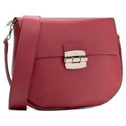 aea8ff14021e1 Czerwona torebka - niezbędny model wśród dodatków