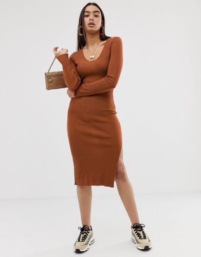 b6102e2326 Sukienka ASOS · Sukienka ASOS Sprawdź cenę! Mohito - Dopasowana sukienka z prążkowanej  dzianiny ...