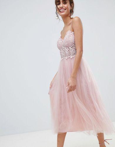 b161ed55e5 Sukienki w kolorze pudrowego różu - modele idealne na wesele do 150 ...