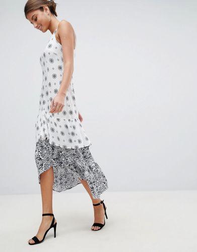 e23b11d862 Meghan Markle szuka sukni ślubnej. Do sieci trafiły szkice projektów