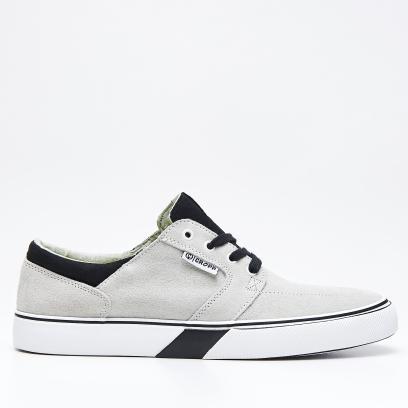 0fb76858 Jakie buty na lato wybrać? Przegląd nieformalnych modeli do 200 zł