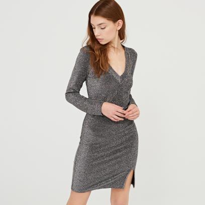 93c918f2c3 Cropp - Błyszcząca sukienka z ozdobnym wycięciem - Szary