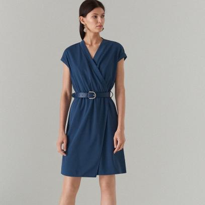 5519245a Jak się ubrać na wesele - stylizacje na różne sylwetki