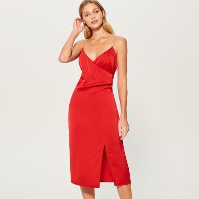 3b615b8de7 Mohito - Satynowa sukienka z rozcięciem na udzie - Czerwony