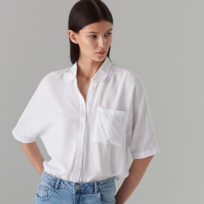 07861e6fed0348 Klasyczne koszule damskie z sieciówek. Wybieramy nasze hity z wyprzedaży