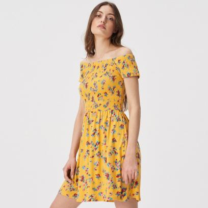 f9dbcaaaa7 Żółte sukienki - przegląd najładniejszych modeli na wiosnę i lato!