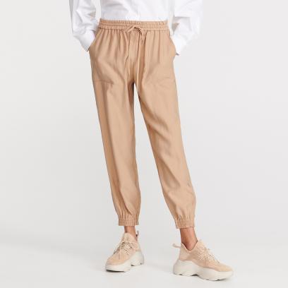 3d8502db0b3485 Spodnie damskie kolekcja wiosna lato 2019 - avanti24.pl