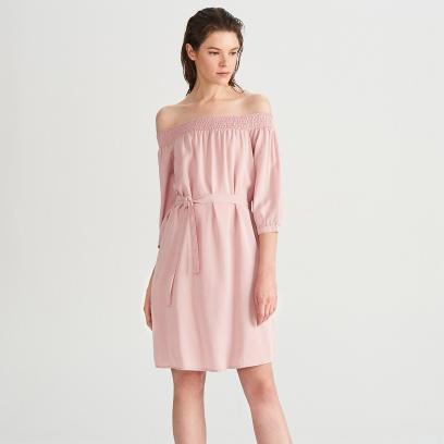 49f0ebd66 Sukienki w kolorze pudrowego różu - modele idealne na wesele do 150 ...