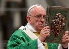 Franciszek na rozpocz�cie synodu: Ko�ci� z zamkni�tymi drzwiami zdradza sam siebie