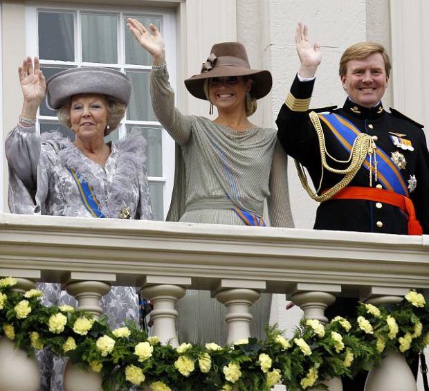 Od lewej: królowa Beatrix, księżniczka Maxima i książę Wilhelm Aleksander