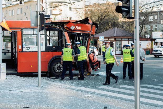 Lublin. Wypadek autobusu komunikacji miejskiej. Jest wielu rannych