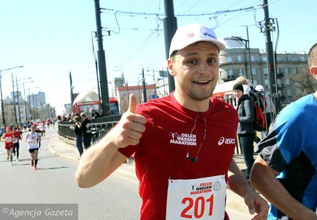 Pawe� Jeleniewski na 41. kilometrze trasy Orlen Warsaw Marathonu