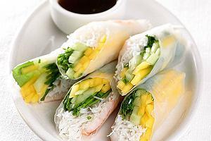 Spring rolls z mango i krewetkami
