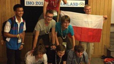 Młodzi polscy matematycy z sukcesami w Tajlandii: złoto, srebro, cztery brązy!