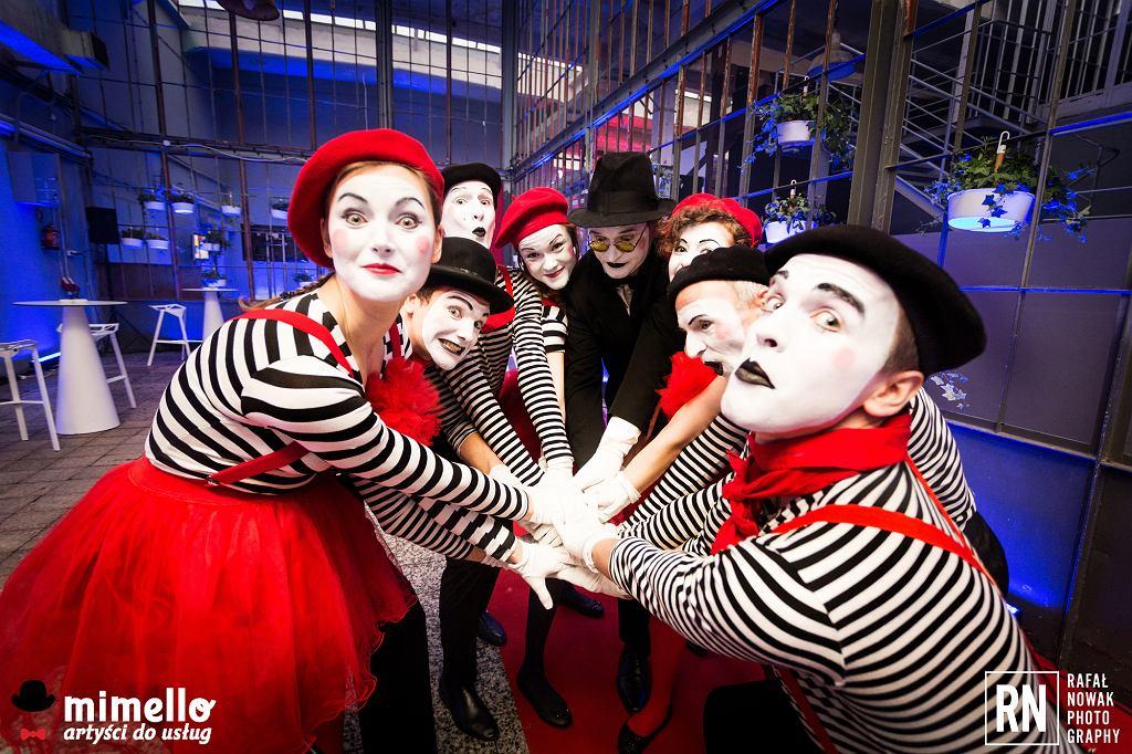 Artyści Mimello podczas występów na gali CEEQA w warszawskiej Soho Factory (fot. Rafał Nowak)