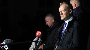 Były premier, obecny szef Rady Europejskiej Donald Tusk po przesłuchaniu - w charakterze świadka - przez prokuraturę