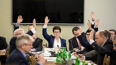 Obrady komisji sejmowej dotyczące ustaw z zakresu prawa wyborczego