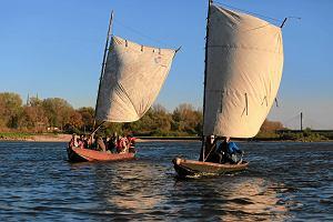 Wisła. Sami budują tradycyjne łodzie i wypływają nimi na rzekę [ZDJĘCIA]