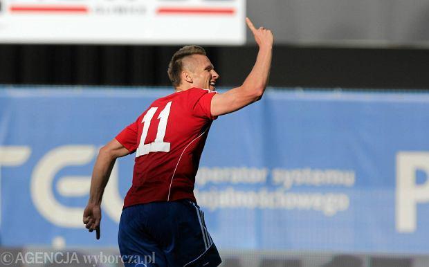 Marcin Robak (Piast Gliwice) po strzeleniu gola przewrotką z Karabachem Agdam