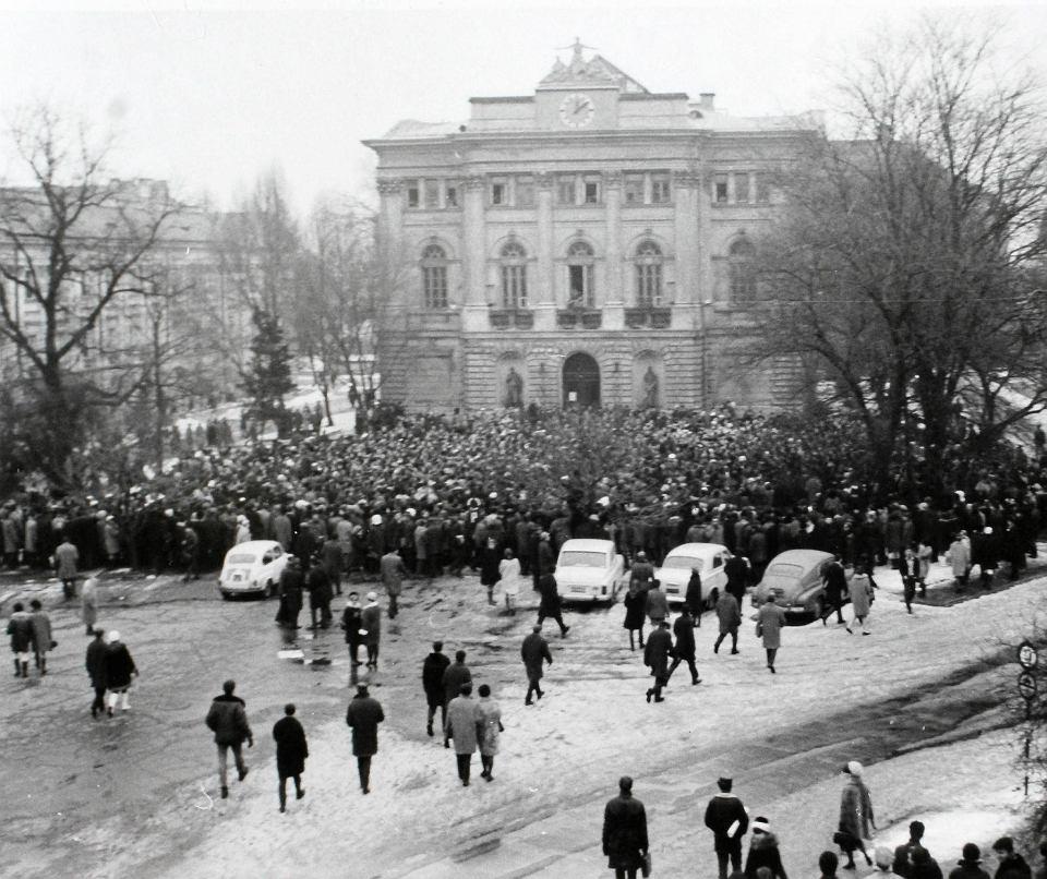[Obrazek: z15587760V,8-marca-1968-r--Studencki-wie...cie-Wa.jpg]
