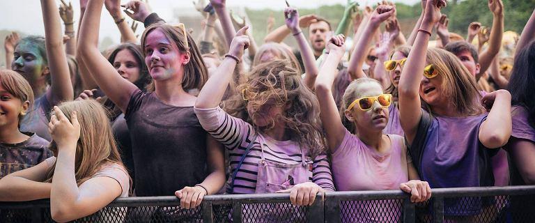 Szaleństwo barw opanowało Gdańsk. Tłumy bawiły się na Festiwalu Kolorów [ZDJĘCIA]