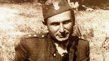 Kapitan Stanisław Sojczyński 'Warszyc' (1910-47), dowódca Konspiracyjnego Wojska Polskiego. Do najbardziej nietypowych zadań, które wykonywał podczas służby w AK, należała współpraca z radzieckim oddziałem, któremu przez dwa tygodnie pomagał umykać przed Niemcami, a także ochrona żołnierzy brytyjskiej misji wojskowej zrzuconych w okolice Radomska, by zorientować się w stosunkach między Armią Czerwoną a polską partyzantką