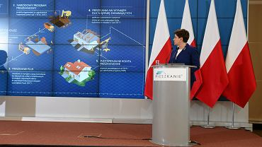 Premier Beata Szydło podczas prezentacji programu 'Mieszkanie +'. Warszawa, KPRM, 3 czerwca 2016