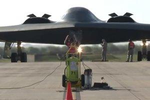 """""""Niewidzialne"""" bombowce B-2 w Europie. USA: To demonstracja globalnego zasi�gu"""" lotnictwa"""