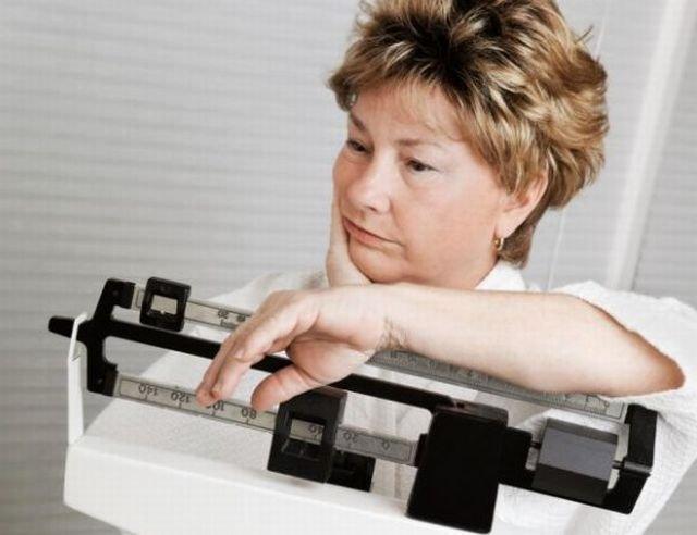 Niewłaściwa dieta kobiety dojrzałej grozi nie tylko nadwagą