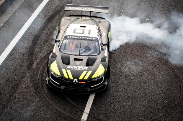 Wideo | Renault R.S. 01 w policyjnym mundurze