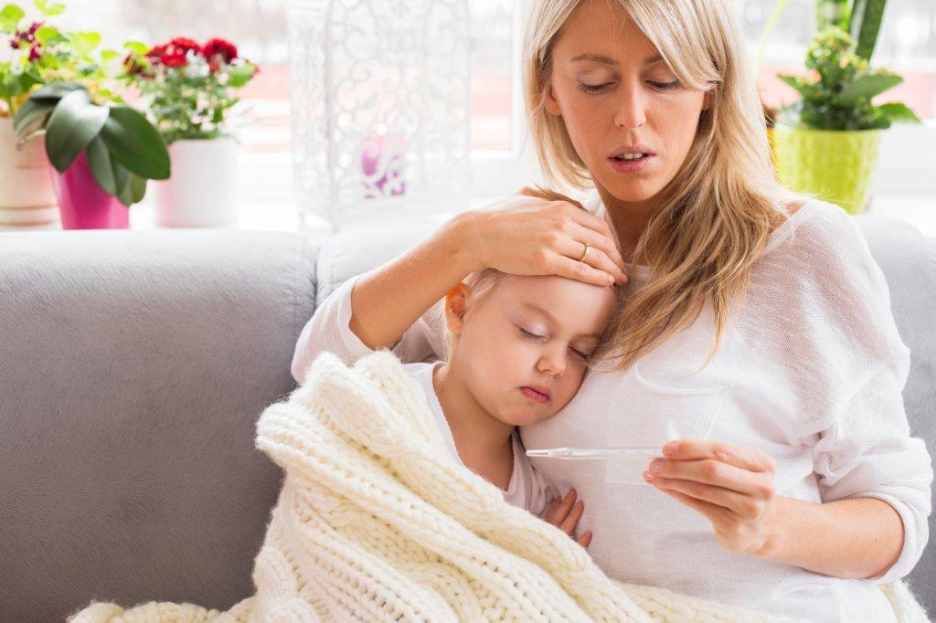 Pracownicy rodzice mają specjalne uprawnienia związane z posiadaniem dzieci i mogą z nich skorzystać m.in. właśnie w przypadkach choroby podopiecznych.