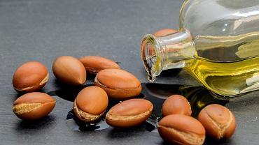 Olejek arganowy wyciska się z ziaren arganii żelaznej