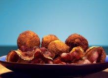 Panierowane kulki ziemniaczane z zio�ami - ugotuj